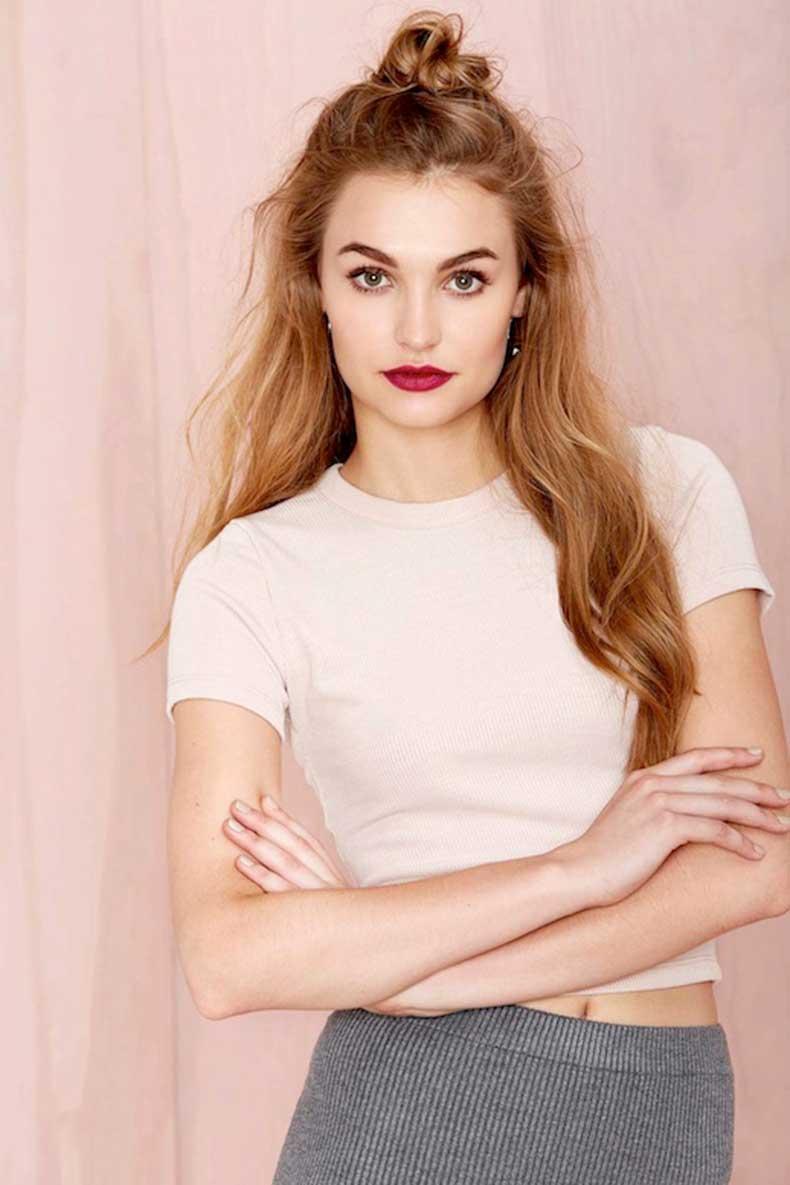 16-Le-Fashion-Blog-20-Inspiring-Half-Up-Top-Knot-Hairstyles-Long-Hair-Bun-Red-Lips-Via-Nasty-Gal
