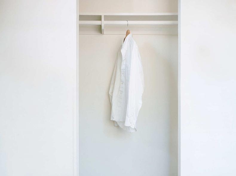 20-empty-closet