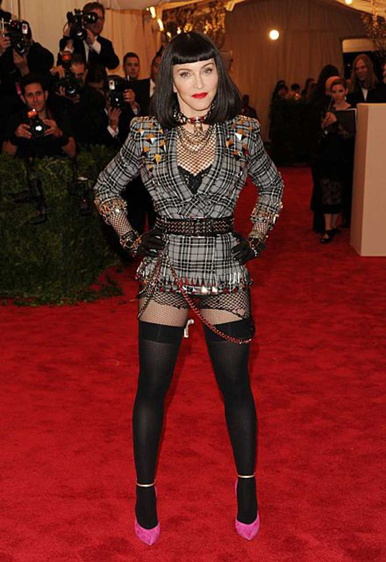 20130507-pictures-madonna-met-gala-moma-new-york-02