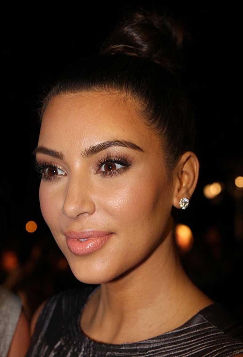 512px-Kim_Kardashian_2_2012