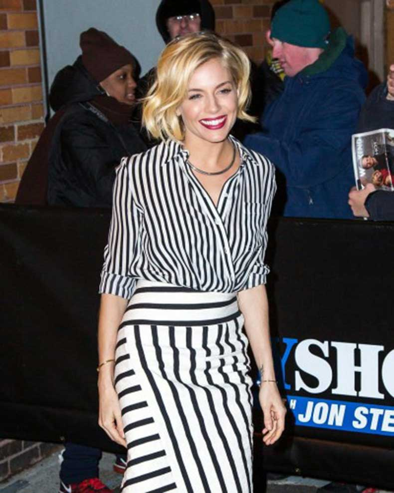 Even-Sienna-Miller-spotted-trying-out-wrap-tuck-400x500