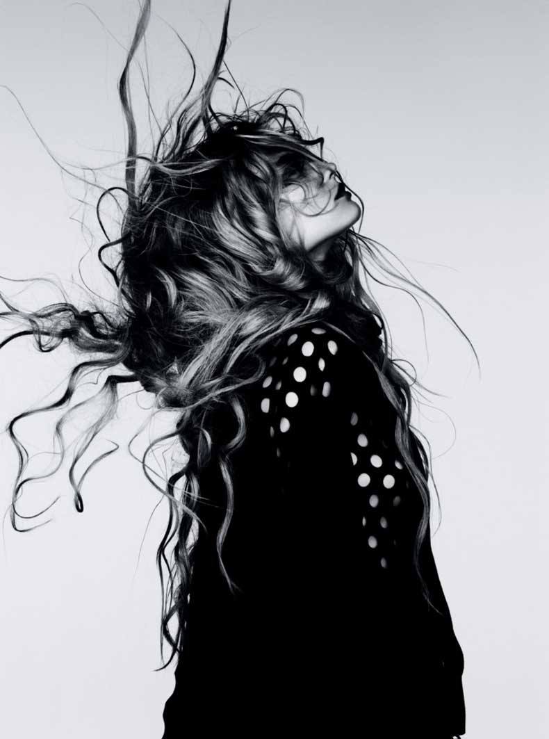 Magdalena-Frackowiak-by-Ben-Hassett-Wilde-Wellen-Vogue-Germany-January-2012-4-761x1024