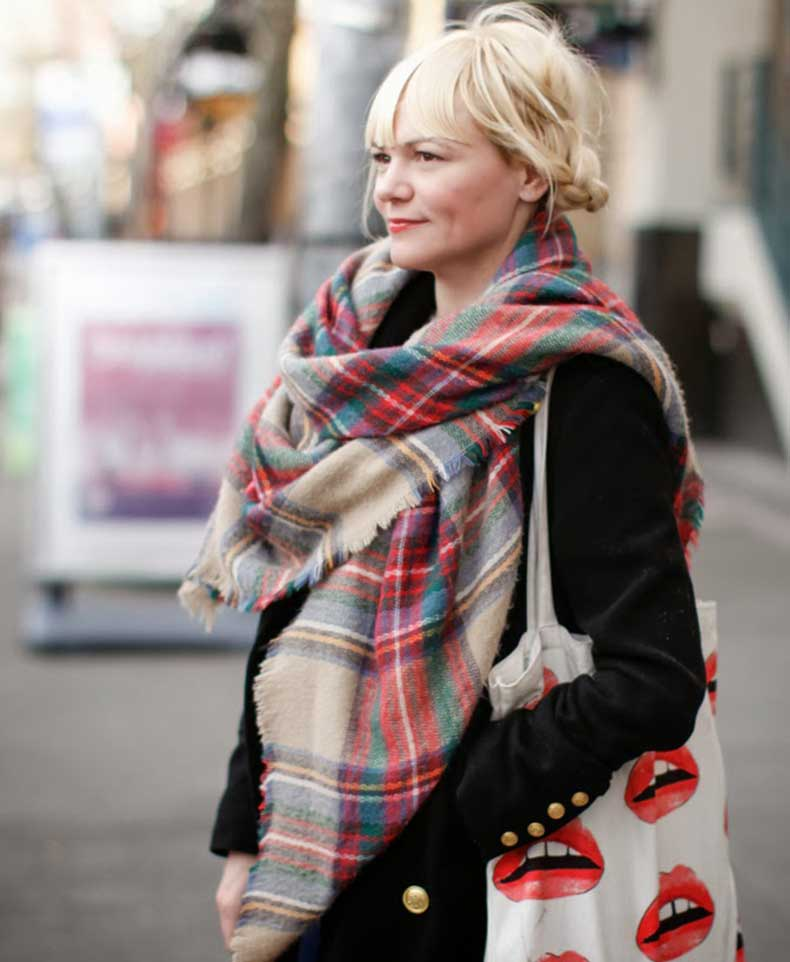 Minos-Magnan-stylist-seattle-street-style-fashion-it's-my-darlin'-blanket-scarf-platinum-braids-_0455