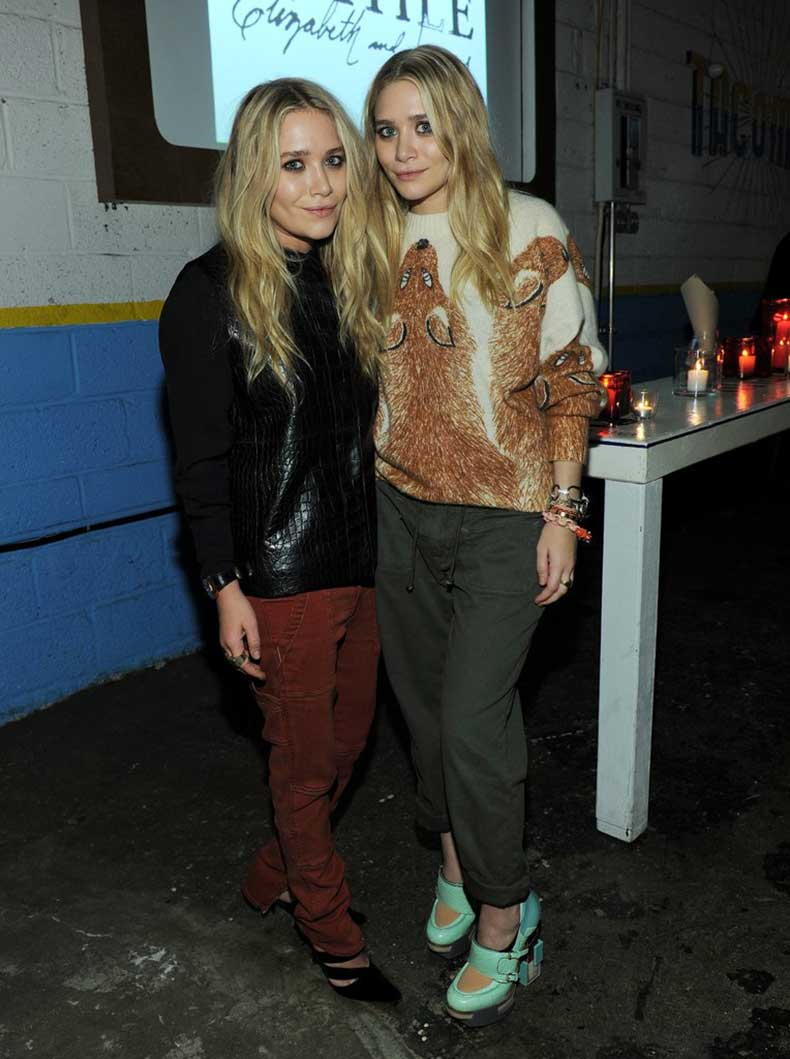 Twinning-combo-twins-put-cool-girl-spin-cargo-pants