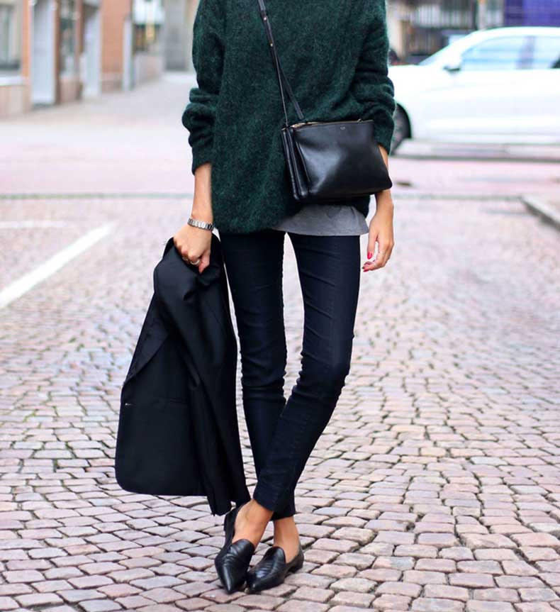 black-celine-clutch-bag-street-style