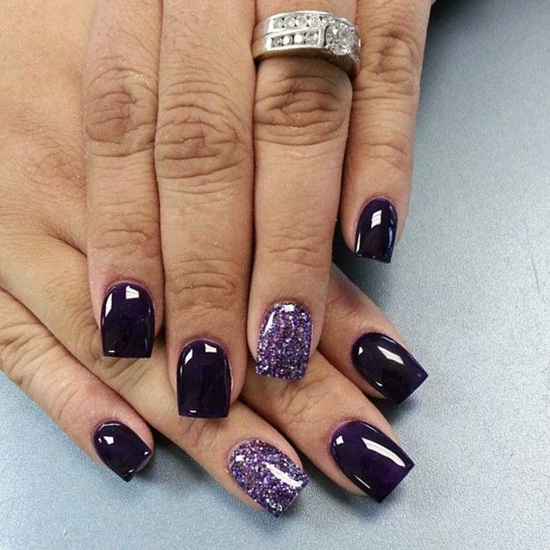 dark-blue-nails-with-accent-nail