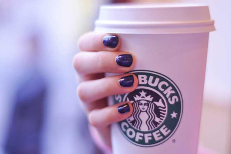 dark-blue-nails