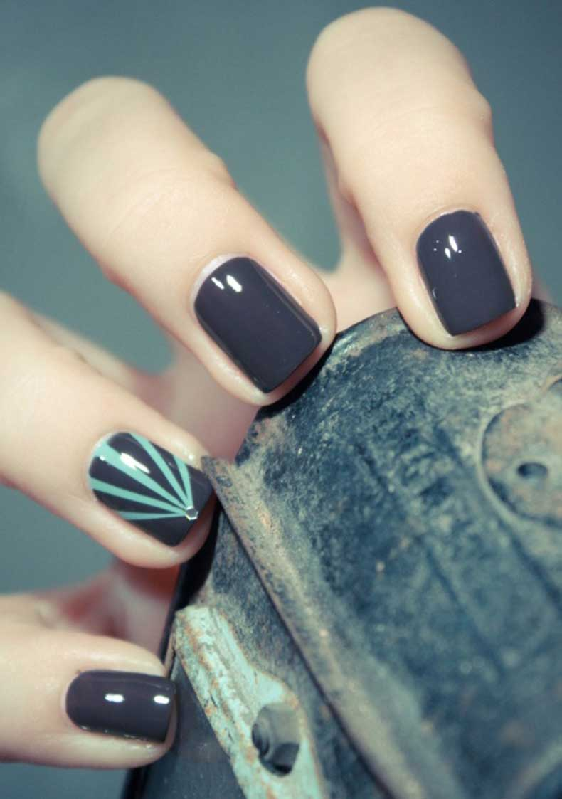 dark-grey-nails
