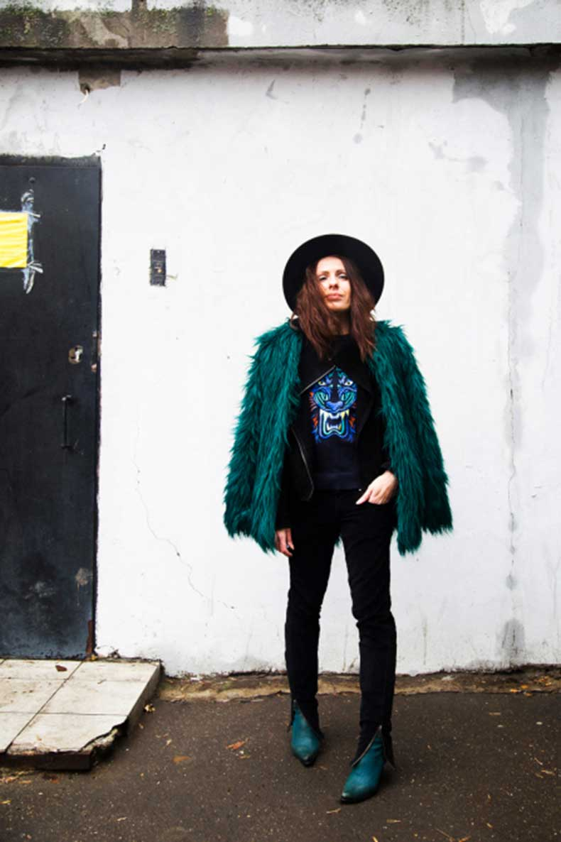 emerald-faux-fur-bershka-coat_tiger-pullover_02_by_manona-che