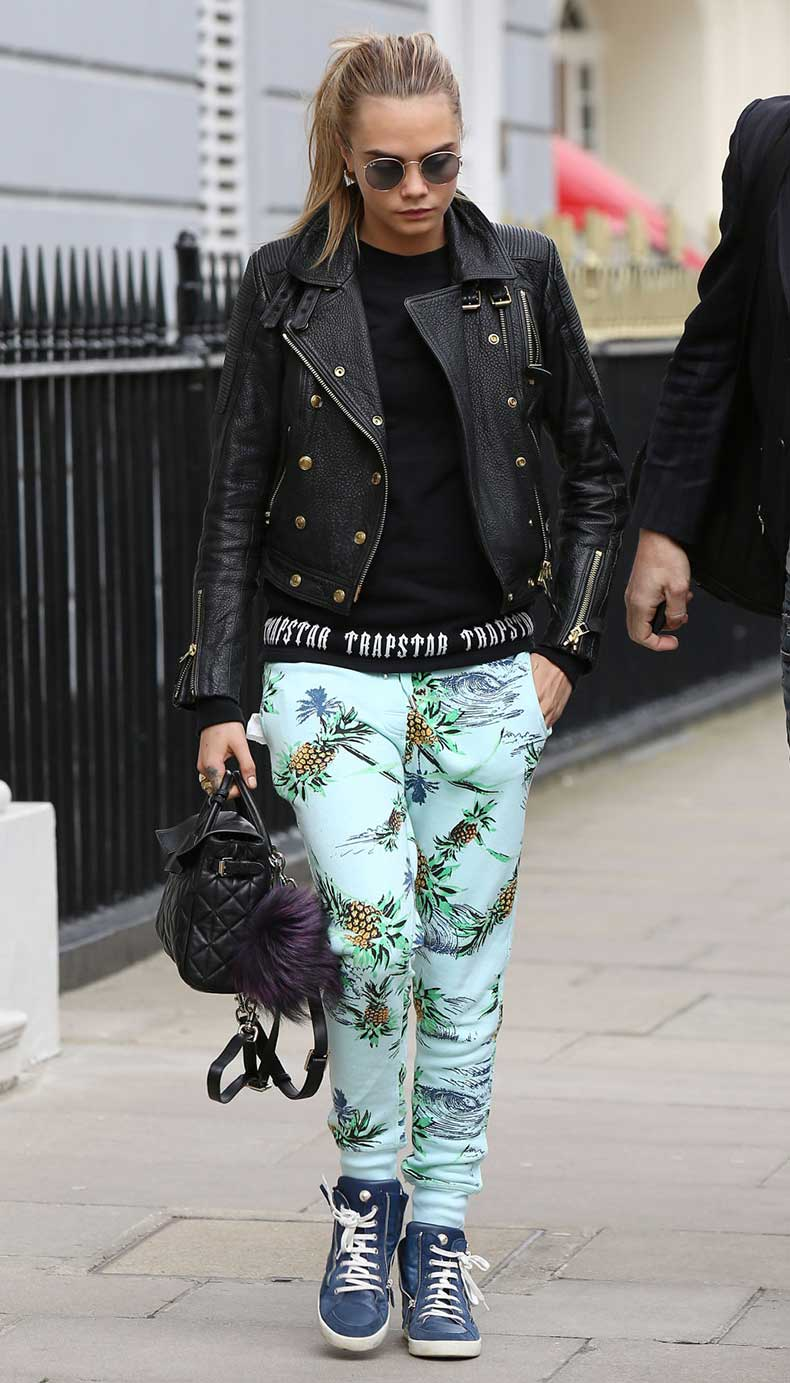 leaving-her-house-in-london-may-2
