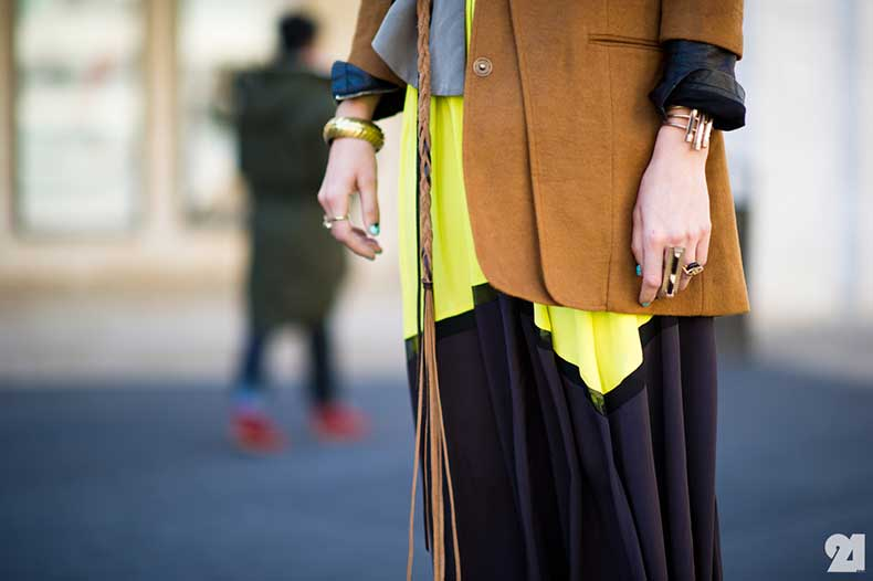 1339-Le-21eme-Arrondissement-Adam-Katz-Sinding-Gretchen-Jones-Details-In-Gold-Mercedes-Benz-New-York-Fashion-Week-Fall-Winter-2012-2013-New-York-City-Street-Style-Fashion-Blog_21E7185