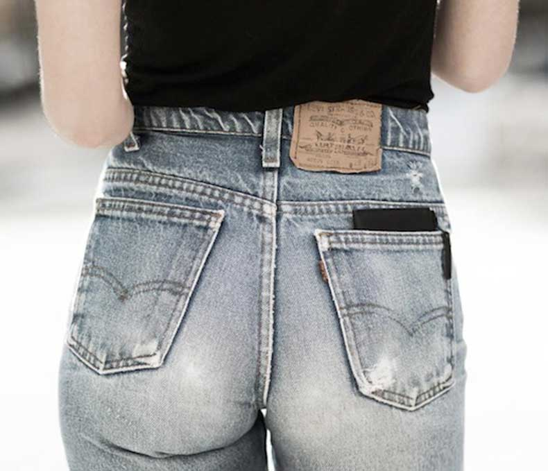 14-Le-Fashion-Blog-Shots-That-Prove-Levis-Make-Your-Butt-Look-Amazing-High-Waisted-Denim-Via-Garance-Dore