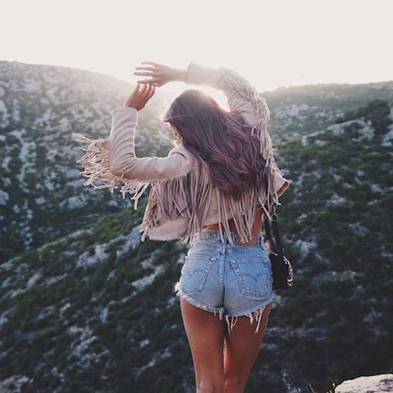 25-Le-Fashion-Blog-Shots-That-Prove-Levis-Make-Your-Butt-Look-Amazing-Denim-Cut-Offs-Jean-Shorts-Via-Emelia-Natascha-Emitaz