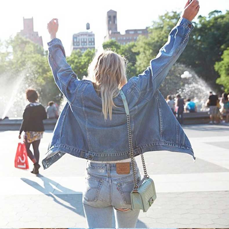 32-Le-Fashion-Blog-Shots-That-Prove-Levis-Make-Your-Butt-Look-Amazing-Jean-Jacket-Vintage-Denim-Via-Instagram