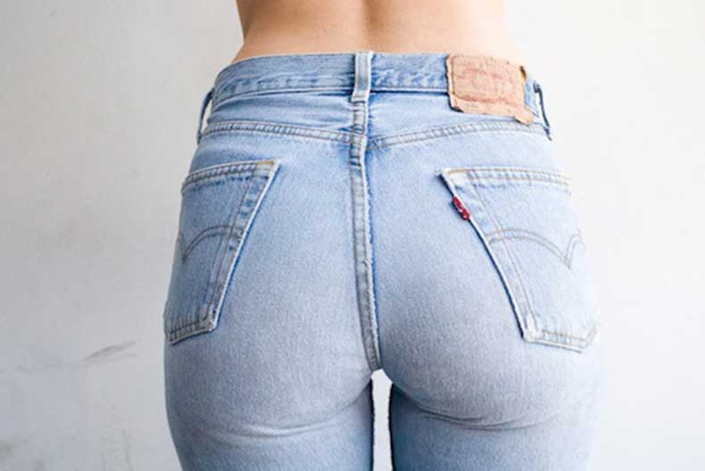 4-Le-Fashion-Blog-Shots-That-Prove-Levis-Make-Your-Butt-Look-Amazing-Light-Wash-Jeans-Denim-Via-Terry-Richardson