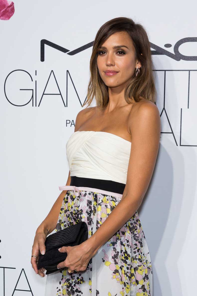 Jessica-Alba-Paris-Fashion-Week-Style-7
