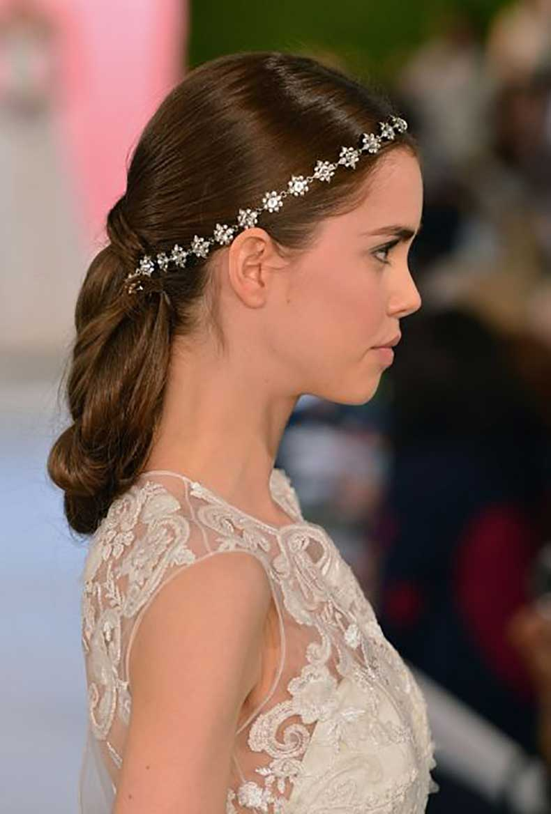 Oscar-De-La-Renta-Spring-2015-Bridal