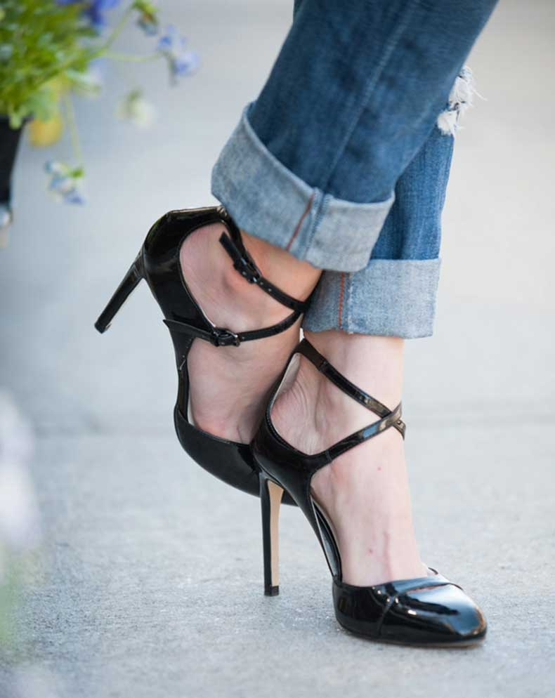 Toronto-Street-Style-Shoes-Black-Patent-Mary-Jane-Pumps