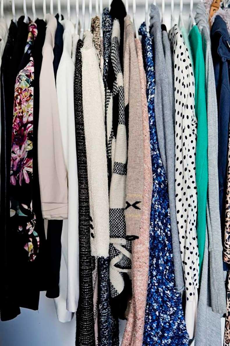 closet-hanging