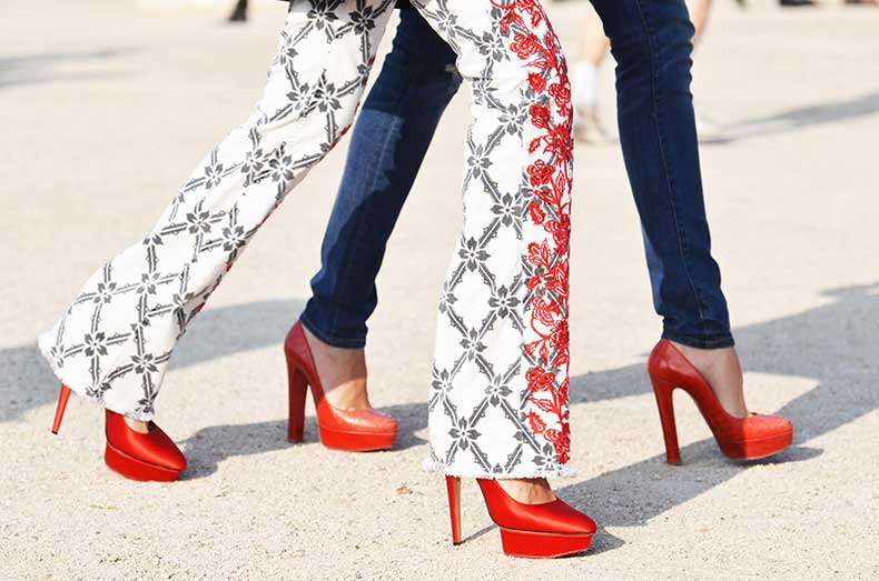 nobodyknowsmarc-com-gianluca-senese-oaris-fashion-week-street-style-legs-red-shoes