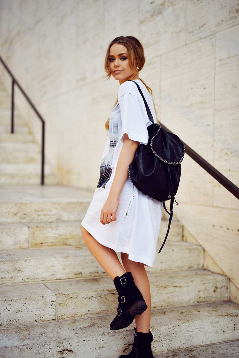 2.-black-backpack-in-white-outfit