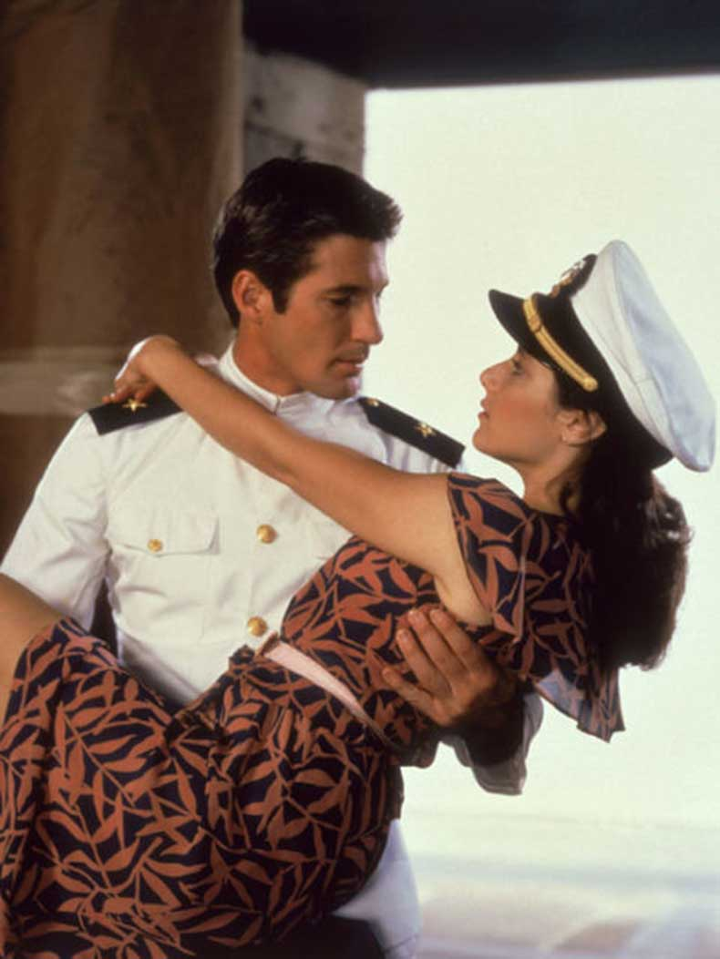 54834104d4925_-_rbk-romantic-movies-an-officer-and-a-gentleman-mscn