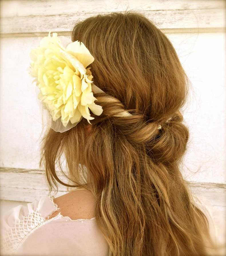 Boho-Twist-Hairstyle-with-a-Headband