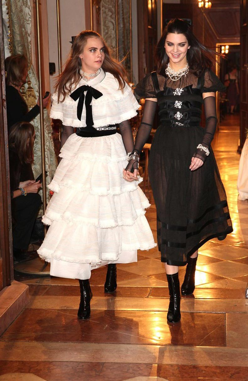 Every-year-Chanel-Métiers-dArt-show-features-work-ateliers