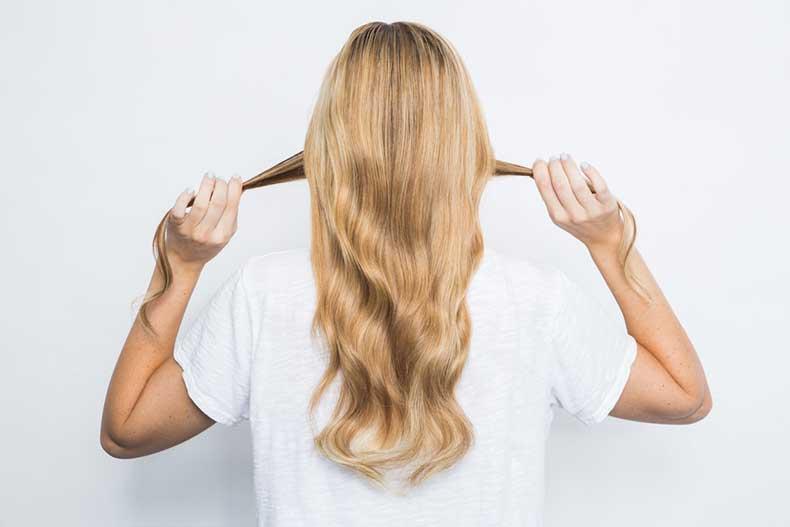 Hair-Hack-3--Crease-Ponytail