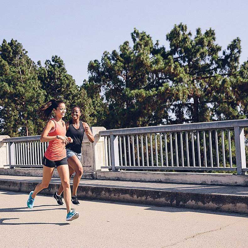 Jamie-Chung-all-about-weekend-runs