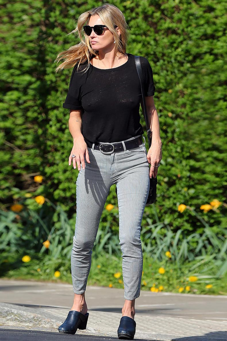 Kate-Moss-Vogue-17Apr15-Gotcha-Koral-jeans