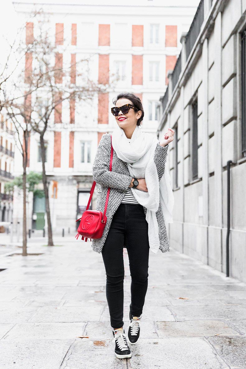 Mixing_Prints-Striped_Top-Red_Bag-Gucci_Disco_Bag-Outfit-Street_Style-Collage_Vintage-34-790x1185