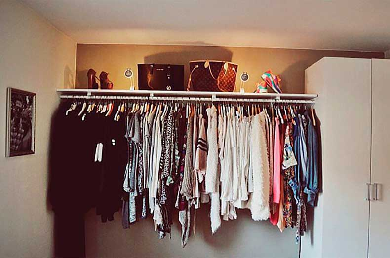 Notice-how-user-clothes-arranged-color-fabulous