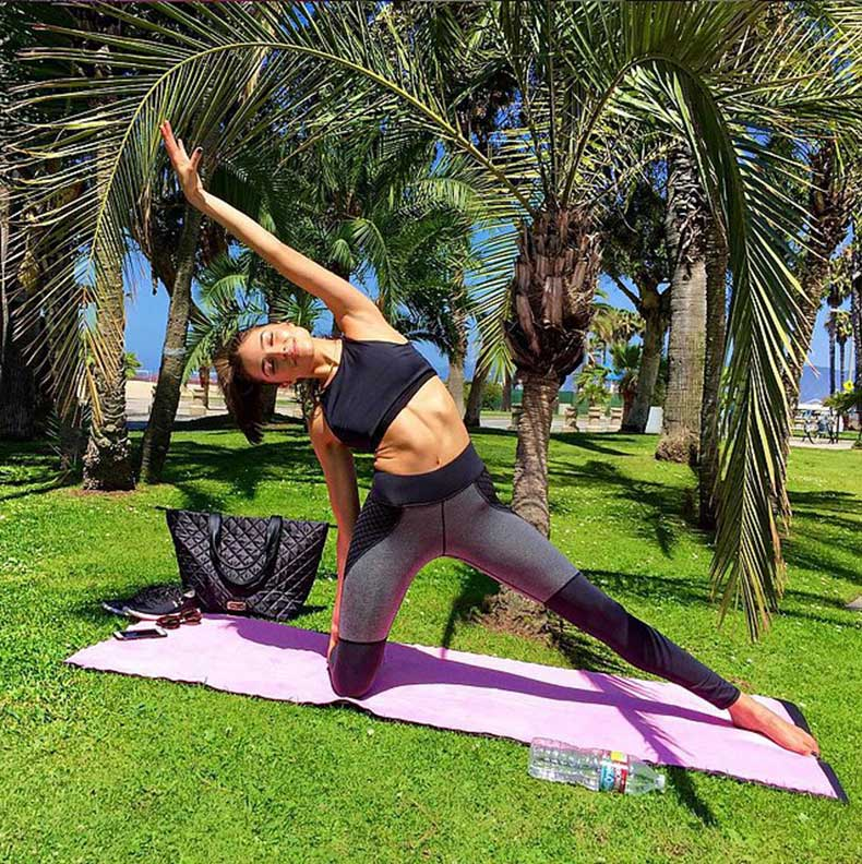 Olivia-Culpo-rolled-out-her-mat-paradise