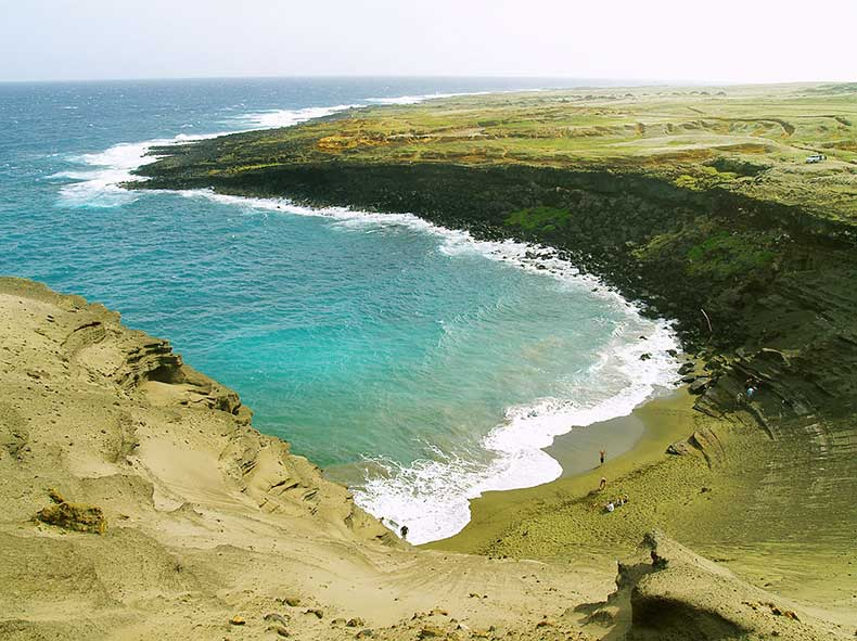 Papakolea-Beach-green-sand-hawaii