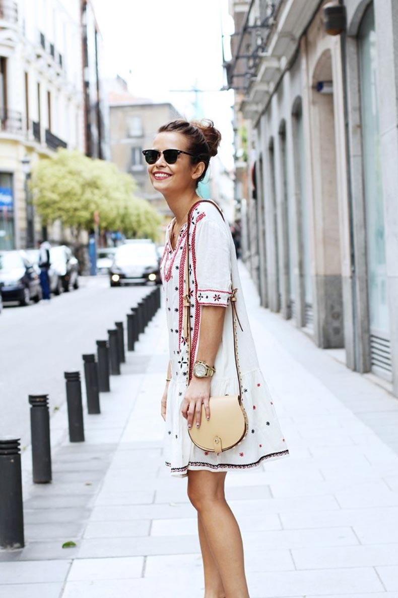 Ray-Ban-clubmasters-boho-chic-dress-street-style-Paris