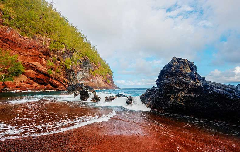 Red-Sand-beach-Hana-Hawaii