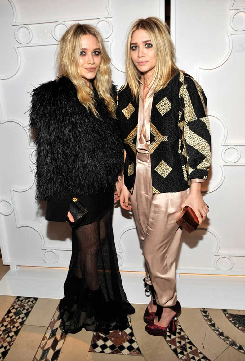 Twinning-combo-Once-again-proving-all-about-statement-coat
