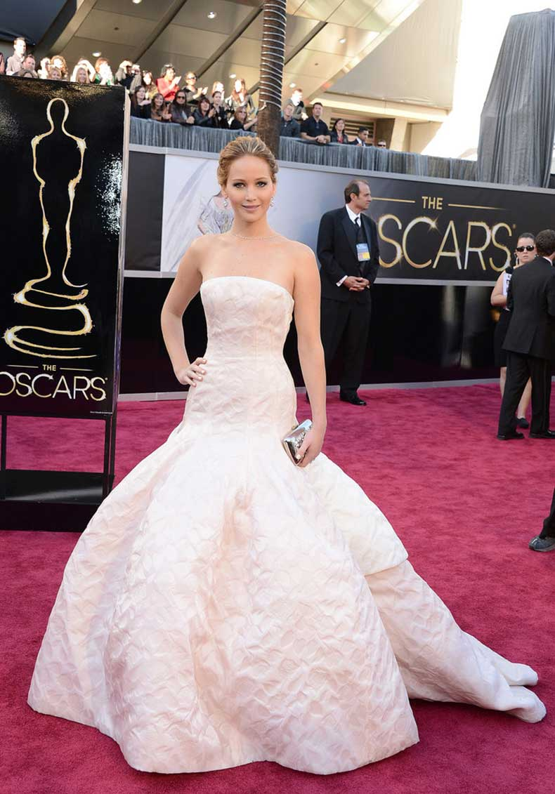 Who-could-forget-showstopper-Oscars-dress
