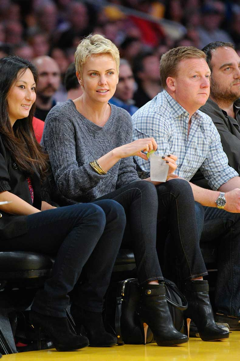 charlize-lakers-game