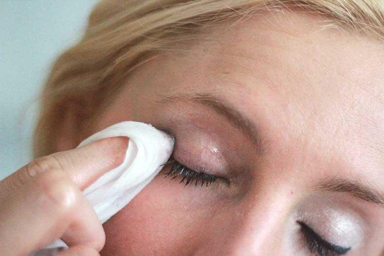coconut-oil-eye-makeup-remover-3