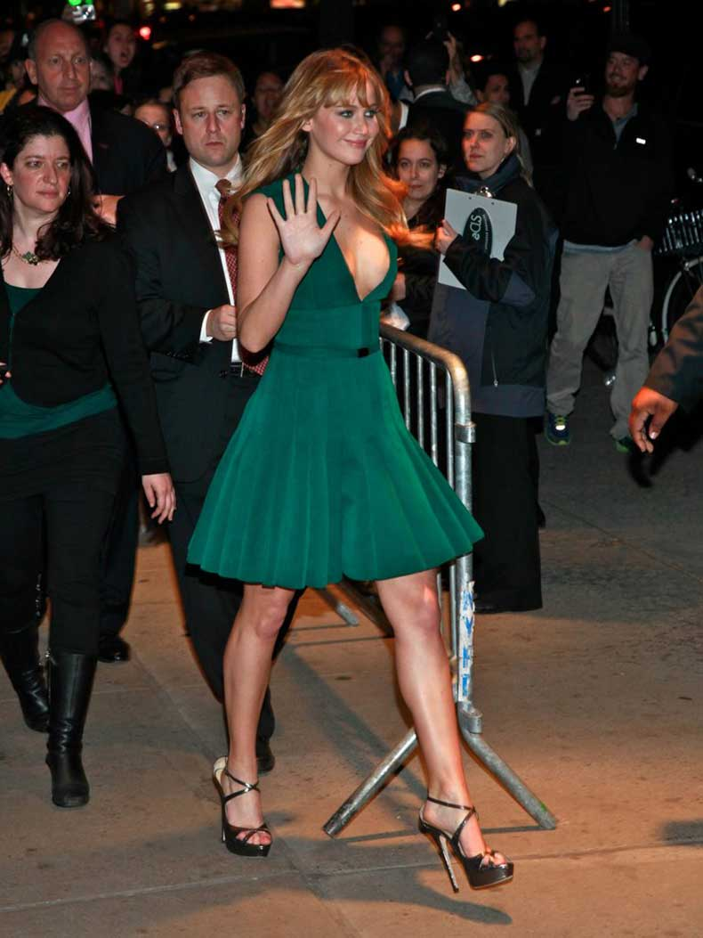 doubt-about-Jennifer-Lawrence-can-wear-color