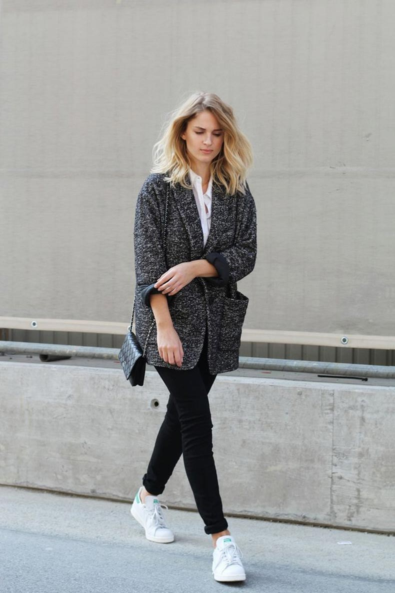 grey-coat-black-pants-white-sneakers