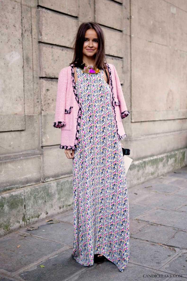 miroslava-duma-print-looks-fashion-statement-necklaces-candicelake-streetstyle-fashion-week-pink-knit-tweed-boucle-jacket-lobg-print-maxi