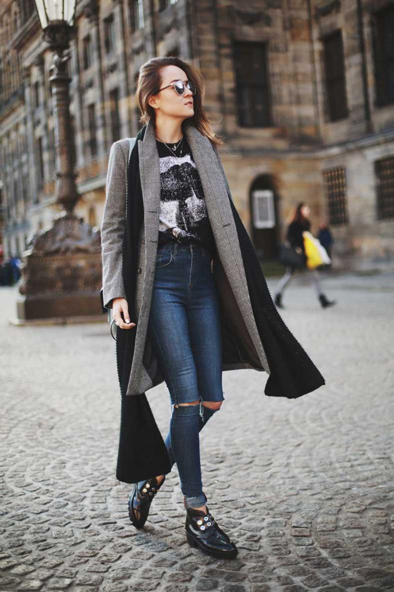 ripped-knee-jeans-street-style-189