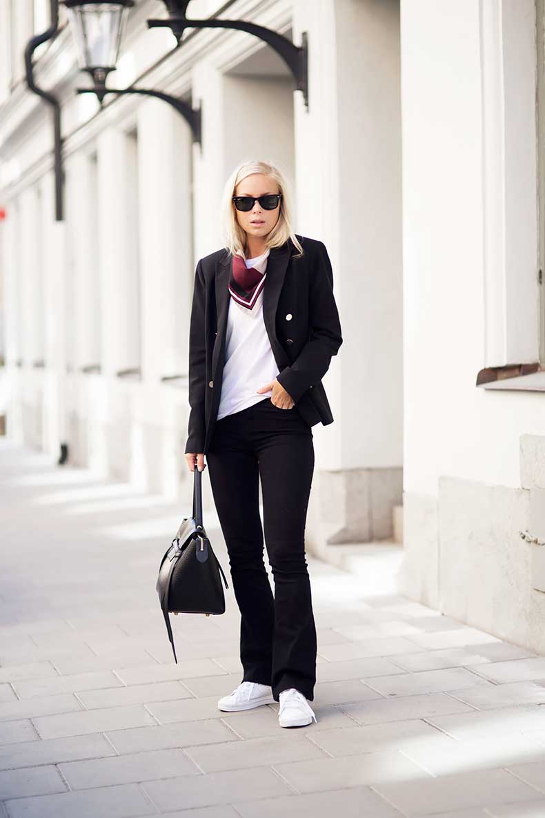 1.-scarf-with-classic-outfit