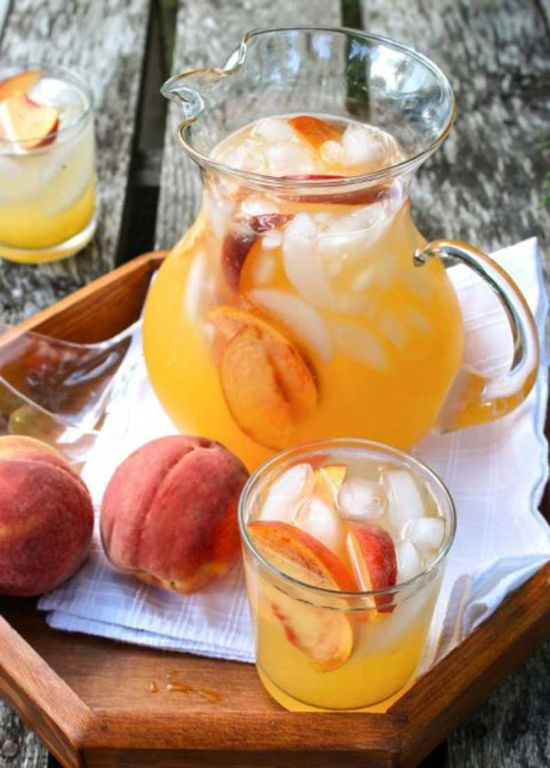 1432316524-1431981535-sparkling-spiked-peach-lemonade