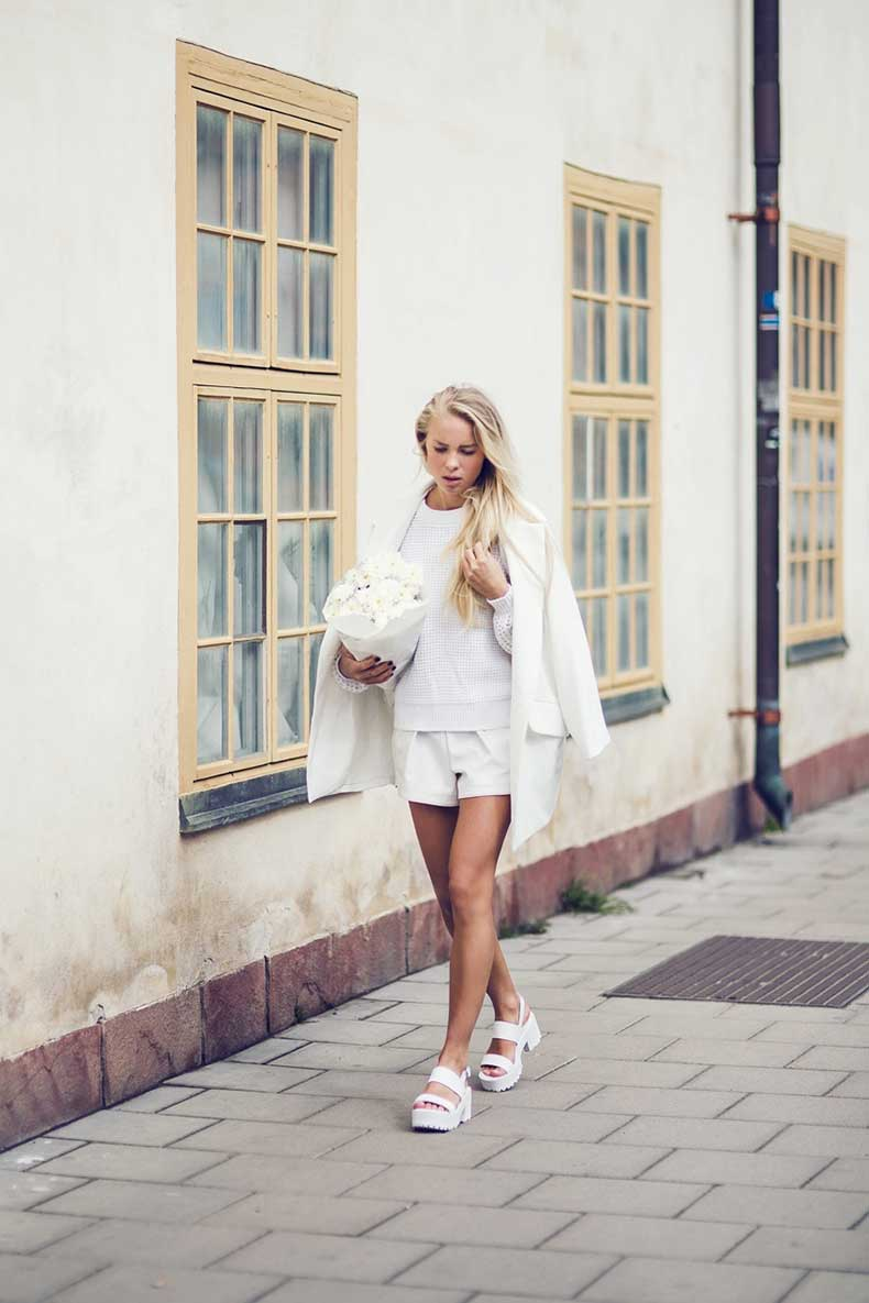 3.-all-white-casual-outfit