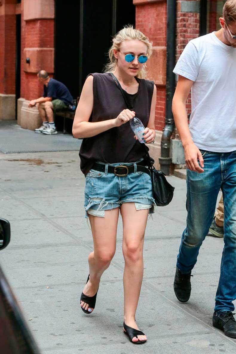 Dakota-belted-her-cutoffs-cinched-them-waist-belt
