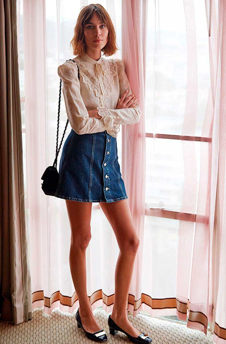 How_To_Wear_Denim_Button_Front_Skirt-70_Inspired-Trend_Seventies-Alexa_Chung-2-790x1198